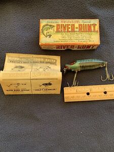 VINTAGE HEDDON RIVER RUNT SPOOK FLOATER 9400 FISHING LURE RARE in Original Box!