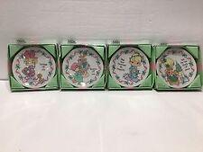 Precious Moments Lot (4) Miniature Christmas Plates Diferentes 1994. #135232