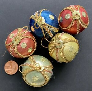 Vintage Retro Silk Spun Baubles. Christmas Tree Decoration Ornaments