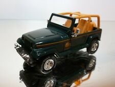 ROAD CHAMPS CHRYSLER CORPORATION 1995 - GREEN 1:43 - EXCELLENT CONDITION - 7