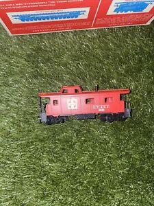 Santa Fe AT&SF 7240 HO  Caboose Red Train
