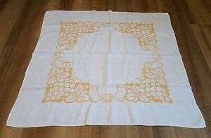 """Vintage Hand-Embroidered Linen 32"""" x 31.5"""" Square Table Topper Small Tablecloth"""
