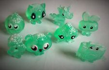 MOSHI MONSTERS – 8 x FIGURES – WINTER WONDERLAND - GREEN SNOW TOPPED FIGURES