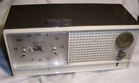 Vintage Working Zenith H519C Vacuum Tube AM/Clock Radio For Parts Or Restoration