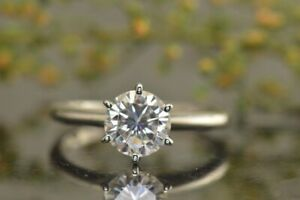 WOMAN'S GIA CERTIFIED 1.00CT ROUND CUT NATURAL DIAMOND 14K GOLD SOLITAIRE RING-D