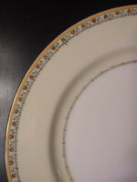 "Vintage Meito China 9 3/4"" GOLD TRIM  Dinner Plate - Hand Painted in Japan"