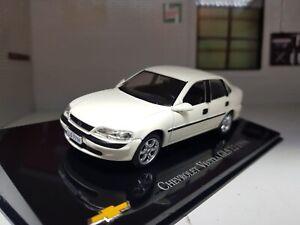 1:43 Scale Vauxhall Vectra B 1998 GLS Opel Holden Mk2 White Diecast Model Car