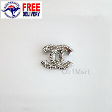 NEW Fashion BROOCH Silver Crystal Casual Office Pin Gift