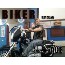 BIKER ACE FIGURE 1:24 MODEL BY AMERICAN DIORAMA 23913