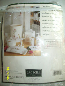 "CROSCILL AMerican Beauty SHOWER CURTAIN Polyester 70""x72"" NIP 8107 red roses"