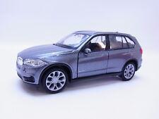 LOT 47702 | Welly BMW X5 Typ F13 ab 2013 Geländewagen Modellauto silber 1:43 NEU