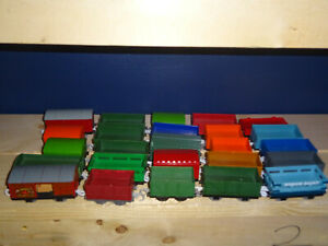 Thomas & Friends Trackmaster 25 Freight Box Cargo Cars Good Condition