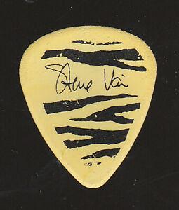 STEVE VAI 1980s Yellow Guitar Pick Muzik Muzik