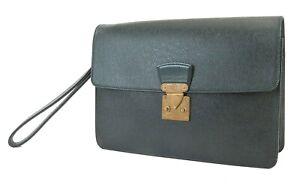 Authentic LOUIS VUITTON Baikal Green Taiga Leather Clutch Hand Wrist Bag #39493