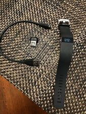 Fitbit Charge HR Wireless Activity Tracker Wristband msip-crm-xra-fb405 black