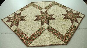 """Handmade Quilted Table Runner Patchwork Christmas Holiday Star 30"""" x 47"""" Hexagon"""