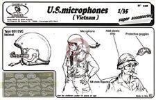 Royal Model 1/35 US Microphones and Goggles Vietnam War (16 mics, 2 goggles) 018