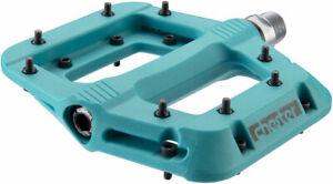 "RaceFace Chester Pedals - Platform Composite 9/16""Turquoise Replaceable Pins"