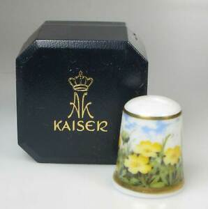 thimble Kaiser porcelain cowslips Germany new in original box