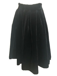 New With tags Maje 40 Black Pleated Velvet Skirt
