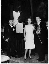 Photo Salvaador Dali en 1965 avec Renée et Joseph Forest 17 x 12,5 cm
