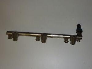 VW Passat 3C 3.2/3.6 Distributeur de Carburant 03H133317 B