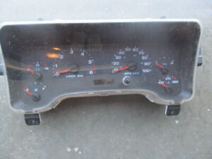2005-06 Jeep Wrangler TJ Dash Speedometer Tachometer Cluster 56010678AD