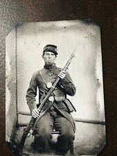Civil War US Soldier With Rifle tintype C58RP