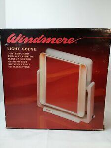 Vintage Windmere Light Scene 2 Way Lighted Mirror Makeup Magnifying GUC Works!