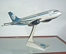 MAQUETTE DE COMPTOIR : AIRBUS A319 COMPAGNIE AERIENNE INDEPENDENCE AIR - 1/100 °