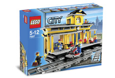 *BRAND NEW* LEGO City TRAIN STATION 7997 *Box has some creases*