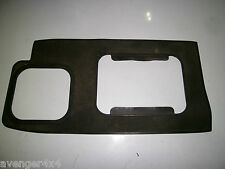 LAND ROVER DISCOVERY 300TDI AUTO GEARBOX SURROUND RUBBER MAT (3)