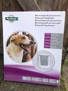 PetSafe 2-Way Manual Pet Dog Door Gate Cat Flap Locking 760 Large White 5023.