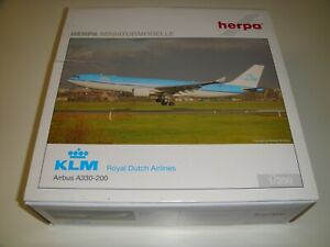 1/200 Hogan Herpa KLM Royal Dutch Airlines A330-200 PH-AOA