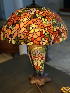 Tiffany Style Double Lit Stained Glass Lamp  Floral  Design Table Lamp