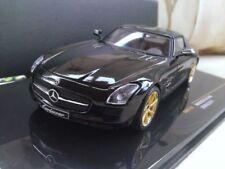 Artículos de automodelismo y aeromodelismo IXO color principal negro Mercedes