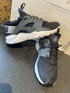 Nike Air Huarache Trainers Size Uk 4.5 Junior Kids Girls Boy Excellent Condition