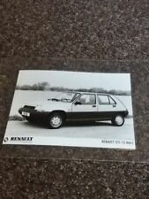 RENAULT UK Ltd 5 TL feuilleté Showroom BLACK & WHITE PHOTO revendeur britannique - 1980`s
