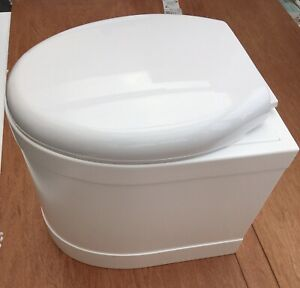 Boggle  Fibreglass Eco composting loo toilet, with soft close seat