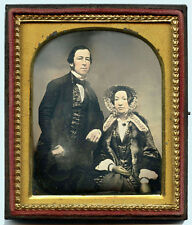 EARLY 1/6 PLATE DAGUERREOTYPE PHOTO PORTRAIT OF A COUPLE DELICATELY HAND-COLORED