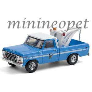 GREENLIGHT 30224 1979 FORD F-250 TOW TRUCK W/TOW HOOK 1/64 NYPD NYC POLICE BLUE