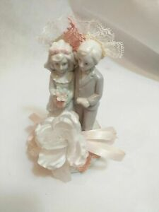 PORCELAIN Wedding Couple MUSICAL FIGURINE Bride Groom Musical Cake Top Wedding