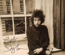 BOB DYLAN Hand Signed Autograph Signature 8 x 10 Photo w/ COA
