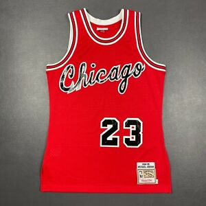 100% Authentic Michael Jordan Mitchell Ness Bulls 84 85 Jersey Size 40 M Mens