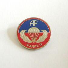"AIRBORNE SCHOOL ""Sicily"" (Badge émail / Pins)"