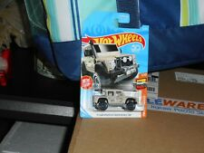HOT WHEELS 2015 LAND ROVER DEFENDER DOUBLE CAB IN TAN COLOR NICE!!