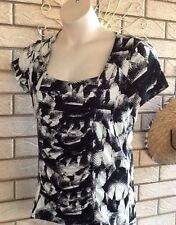 Ladies Stretch Top Size M Black And White Suzannegrae With Gathered Panel