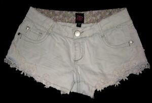 2B bebe Denim Short Shorts Daisy Dukes w/Lace Applique Trim Pale Baby Blue 26