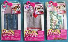 Lot neuf de 3 habits outfit fashion BARBIE (jupes + tee shirt)