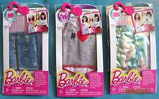 Lot neuf de 3 habits outfit fashion BARBIE (jupes + tee shirt)